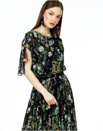 Rochie in colturi asimetrice