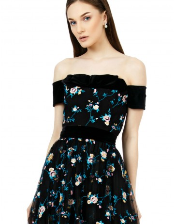 Rochie tulle brodat si catifea